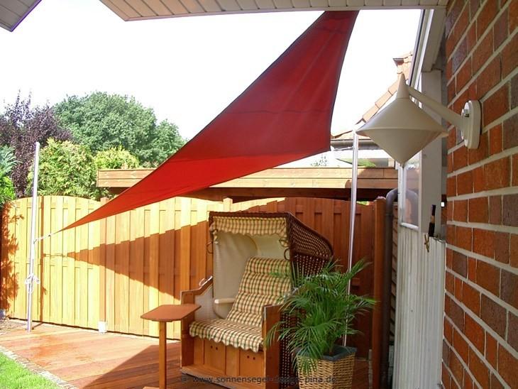 Sonnensegel Terrasse » System mit 2 Masten / 1 Wandbefestigung / 1 Höheneinstellung. Ausgestattet mit einem wasserabweisendem spinndüsengefärbtem Acrylgewebe.