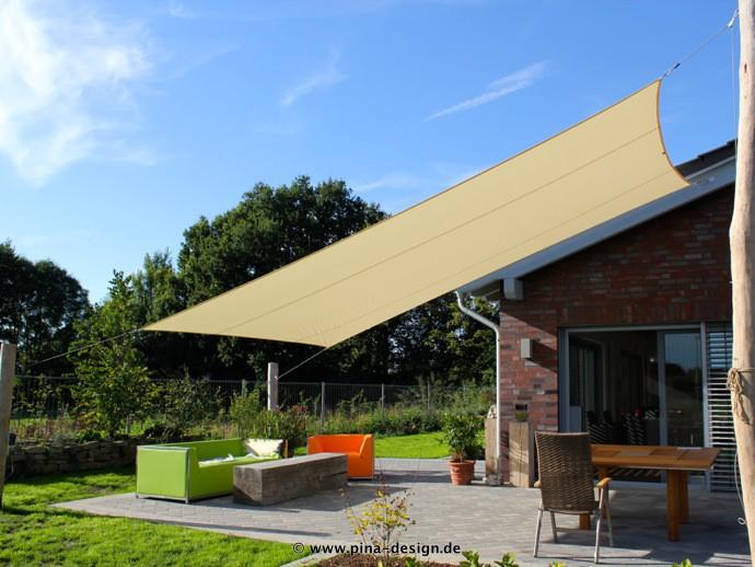 Sonnensegel rechteckig » System mit 3 Robinienstämmen und 3 Kurbel-Snap-Systemen / 1 Wandhalterung. Ausgestattet mit einem wasserabweisenden Tuch aus einem Polyestergewebe mit Nano-Beschichtung.